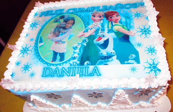 torta especial arequipa para niña foto frozen