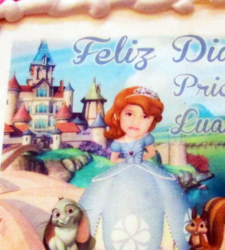 Tortas especiales arequipa foto niña en personaje